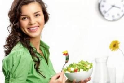 Диетологи назвали важное правило употребления пищи