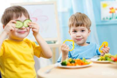 Врач объяснила, как приучить детей есть полезную пищу