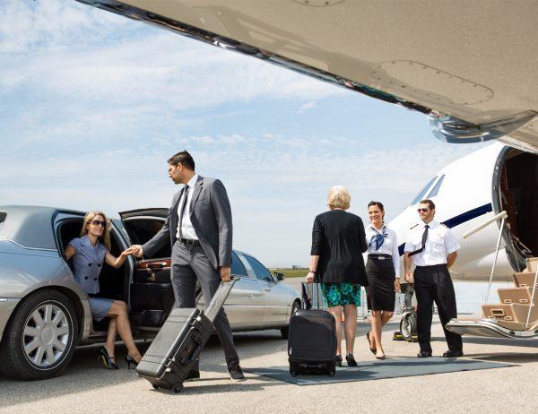 Бронь трансфера в аэропорт и аренда автомобиля с водителем