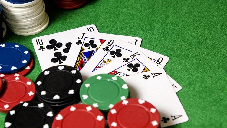 Читайте советы по покеру и не упускайте свои бонусы!