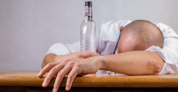 Помощь в реабилитации людям, страдающим от алкогольной, наркотической зависимости